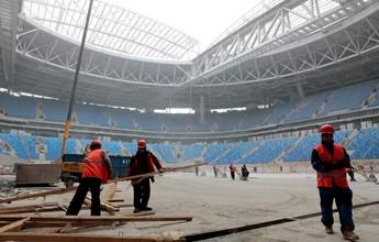 Após atraso, operários aceleram obra de estádio de R$ 2 bi que sediará final