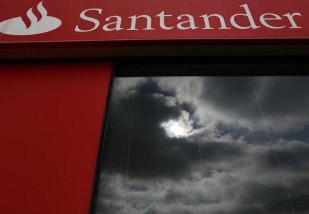 Fachada de agência do Santander (Foto: Marcelo Del Pozo/Reuters)