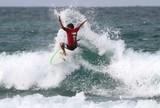 """Th�o Fresia e outros """"locais"""" s�o os destaques no Surf Solid�rio B�zios"""