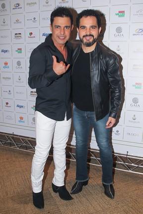 Zezé Di Camargo e Luciano em festa em Uberlândia, Minas Gerais (Foto: Manuela Scarpa/ Brazil News)