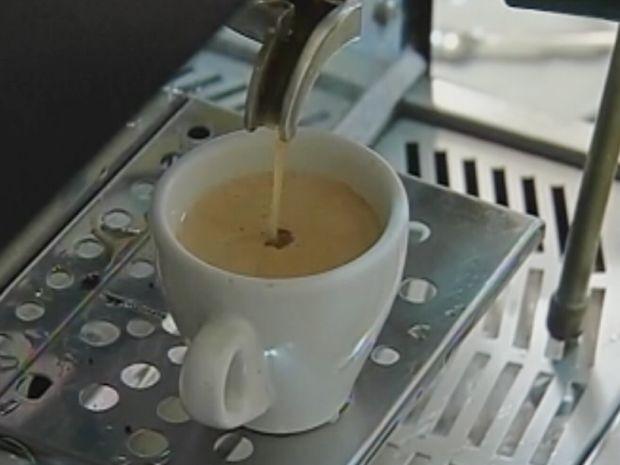 Ingerido com outros alimentos, o café dificulta absorção de vitaminas.  (Foto: reprodução/TV Tem)