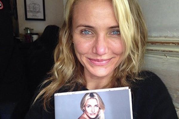 Cameron Diaz ainda fez questão de mostrar uma foto sua toda produzida para comparação (Foto: Instagram)