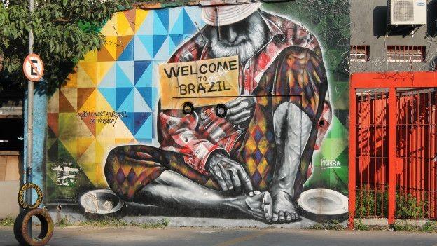 exploração desenfreada da Amazônia é retratada neste grafite de Crânio (Foto: Charles Humpreys/BBC)