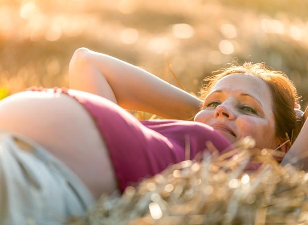 A reta final da gravidez traz ansiedade, mas a grávida pode amenizar essa angústia (Foto: Thinkstock)