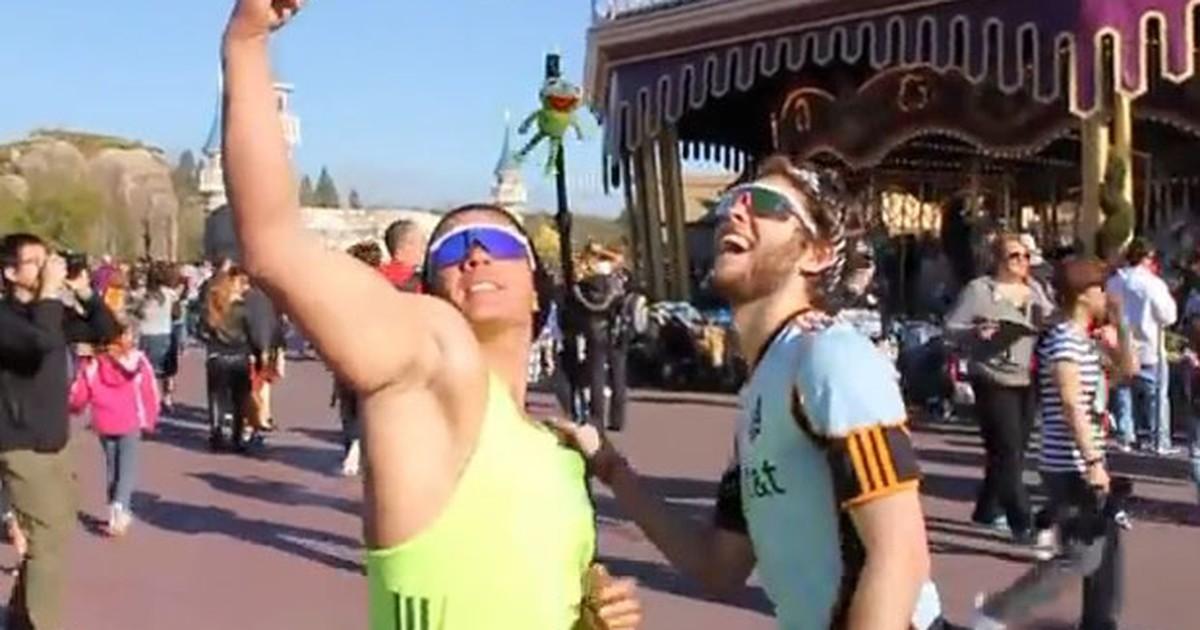 Humoristas americanos ironizam turistas brasileiros na Disney