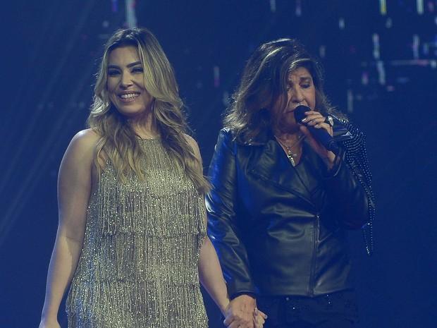 Naiara Azevedo e Roberta Miranda em gravação de DVD em São Paulo (Foto: Francisco Cepeda/ Ag. News)