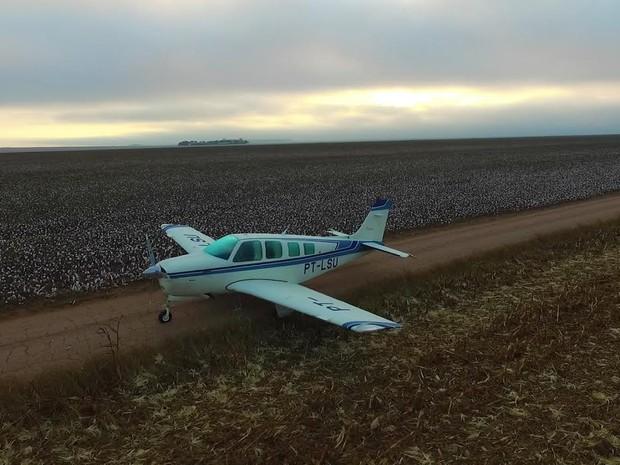 Ladrões sequestraram piloto e pousaram após acabar combustível de avião (Foto: Parecis.net)