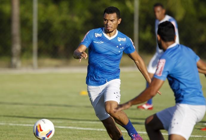 Ceará, lateral do Cruzeiro (Foto: Washington Alves/Light Press)