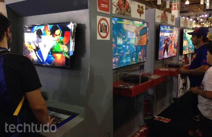 Laura é um dos destaques do novo Street Fighter 5 (Foto: Cassio Barbosa/TechTudo)