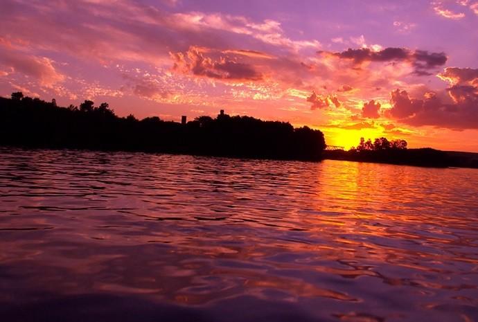 A beleza vista pelas águas de Barra Bonita é de impressionar! (Foto: Reprodução / TV TEM)