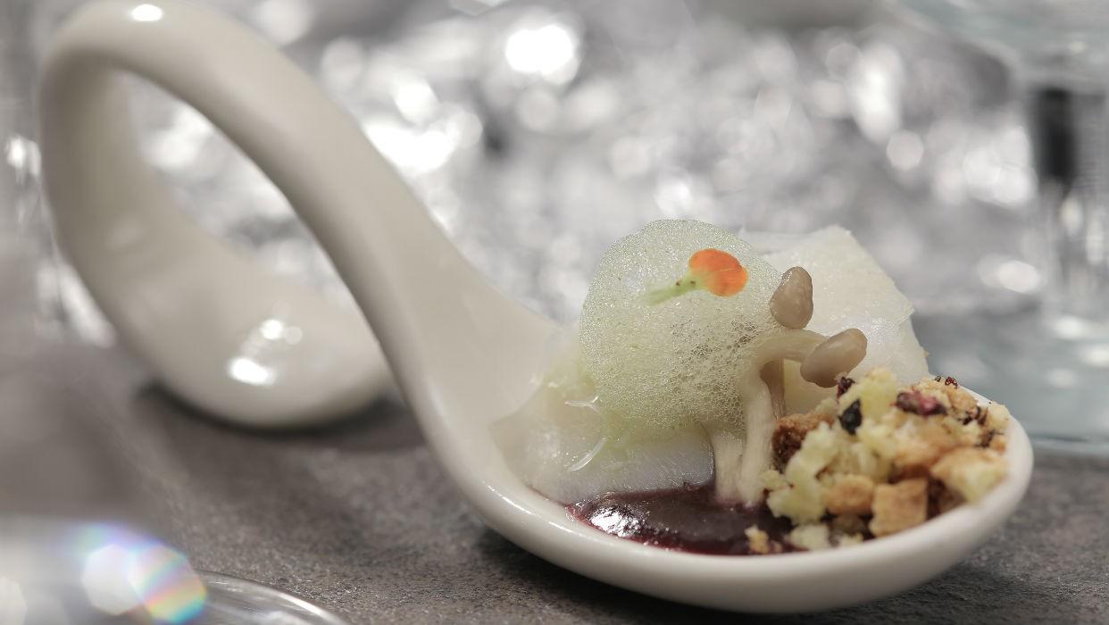 Bacalhau desfiado com broa de milho (Foto: GNT)