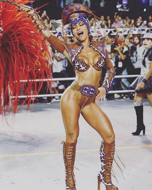 Sabrina Sato no desfile da Gaviões da Fiel, em São Paulo (Foto: Reprodução/Instagram)