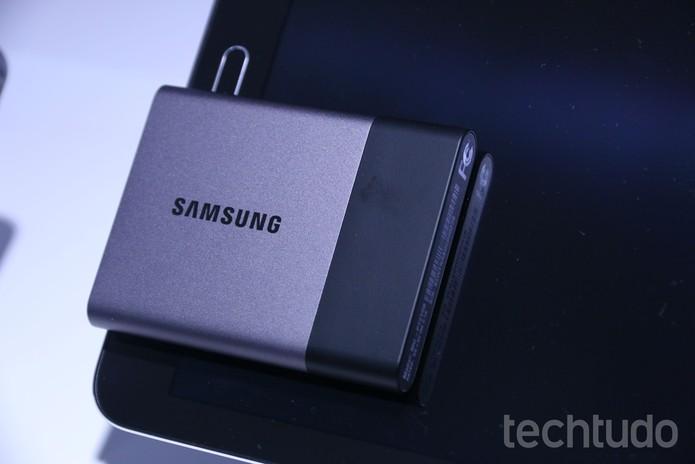 O SSD T3 é um HD externo leve e portátil (Foto: Marlon Câmara/TechTudo)
