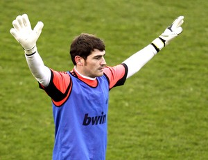 Casillas no treino do Real Madrid (Foto: EFE)
