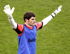 Casillas no treino do Real Madrid (Foto: EFE)