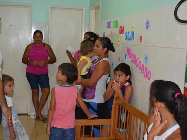 Diversos serviços foram oferecidos gratuitamente a moradores do bairro Pantanal, em Porto Velho (Foto: Toni Francis/G1)