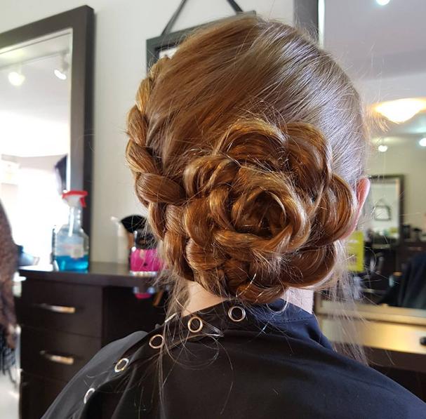 Penteados em forma de flor viram mania (Foto: Reprodução Instagram)