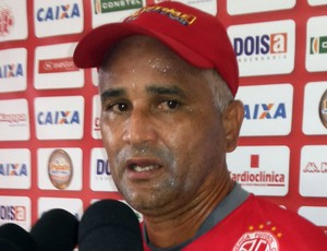 Oliveira Canindé - técnico do América-RN (Foto: Jocaff Souza/GloboEsporte.com)