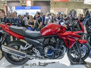 Estande da marca japonesa exibe também a Bandit 1250 S (Foto: Divulgação)