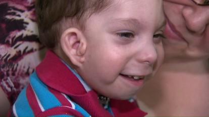 Aparelho doado para ajudar no tratamento de menino com doença rara é roubada nos Correios