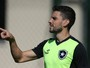 Rodrigo Pimpão é regularizado e pode estrear pelo Botafogo contra o Galo