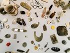 Objetos pessoais de judeus mortos em Auschwitz são entregues a museu