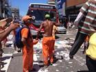Garis entram em greve e protestam jogando lixo nas ruas em Cabo Frio