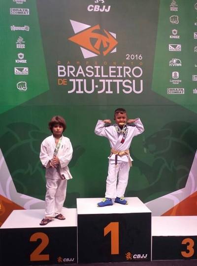 Fernando Hallyson vence adversário com 30 segundos e leva o título Brasileiro na arte suave (Foto: Divulgação)