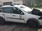Carro roubado em Carmo da Mata é retirado de rio em Divinópolis