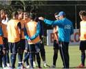 Com a conta do chá, Roth relaciona Arias e leva 18 jogadores para Curitiba