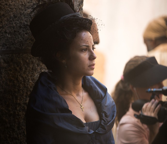 Andreia Horta concentrada durante a gravação (Foto: Fabiano Battaglin/Gshow)
