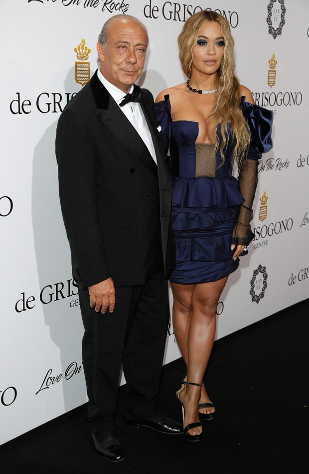 Rita Ora e Fawaz Gruosi, fundador da grife de joias DeGrisogono (Foto: Getty Images)