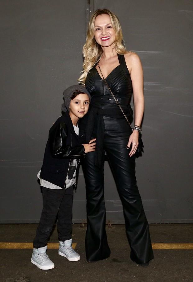 Eliana e o filho, Arthur (Foto: Manuela Scarpa/Brazil News)