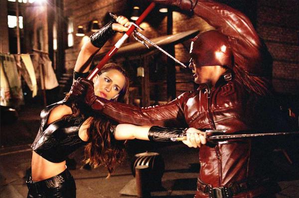 Ben Affleck e Jennifer Garner em cena de Demolidor (2003) (Foto: Reprodução)