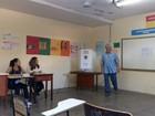 Candidato Odelmo Leão (PP) vota em escola estadual de Uberlândia