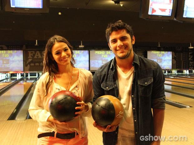 Bruna Marquezine e Bruno Gissoni  (Foto: Em Família / TV Globo)