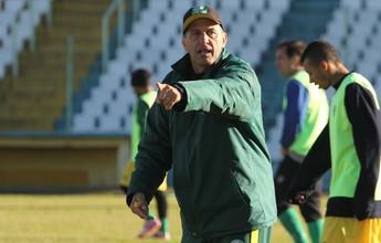 Técnico do Treze admite que tentou levar Marcelinho Paraíba para o clube