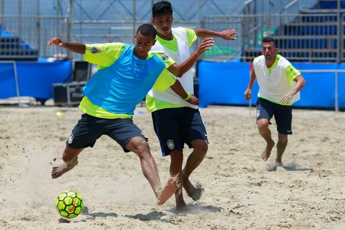 Bokinha é esperança de gols para a seleção brasileira de futebol de areia (Foto: MPC Rio)