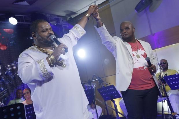 Arlindo Cruz e Arlindo Neto em show no Rio (Foto: Roberto Filho/ Ag. News)
