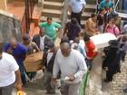 Enterro de mãe com os três filhos  gera comoção e revolta no RJ