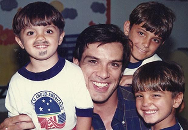 Bruno Gissoni, Rodrigo Simas e Felipe Simas com Beto Simas (Foto: Arquivo pessoal)