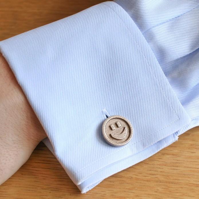 Botão customizado para camisa social (Foto: Reprodução/Amazon)
