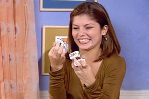 Taíssa receber um anel (Foto: reprodução/TV Globo)