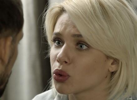 Belisa desconfia de Juliano e se vira contra ex-lutador