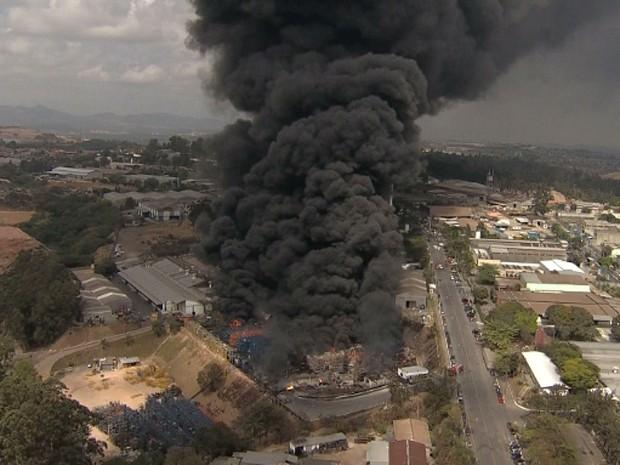 Explosão de fábrica em Contagem. (Foto: Reprodução/TV Globo)