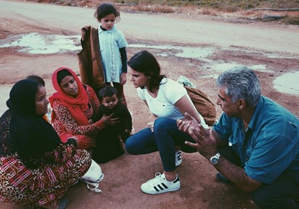 Marquezine visita refugiados (Foto: Instagram/Reprodução)