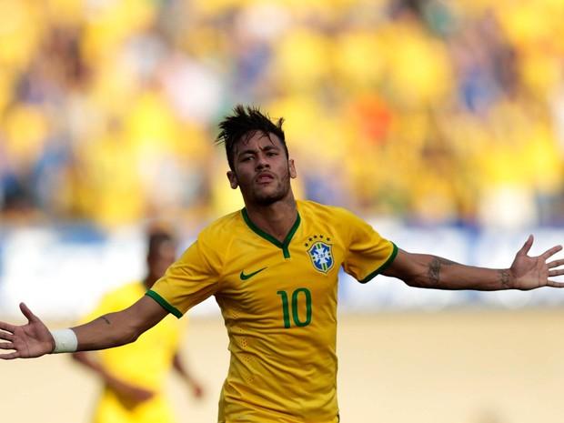 Neymar, da seleção brasileira, comemora gol durante amistoso contra o Panamá, no Estádio Serra Dourada, em Goiânia (Foto: Ueslei Marcelino/Reuters)