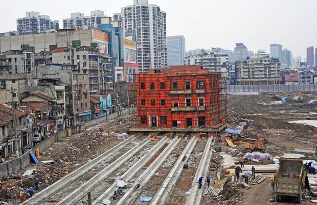 Prédio histórico de mais de 100 anos será movido de lugar na China (Foto: Reuters)