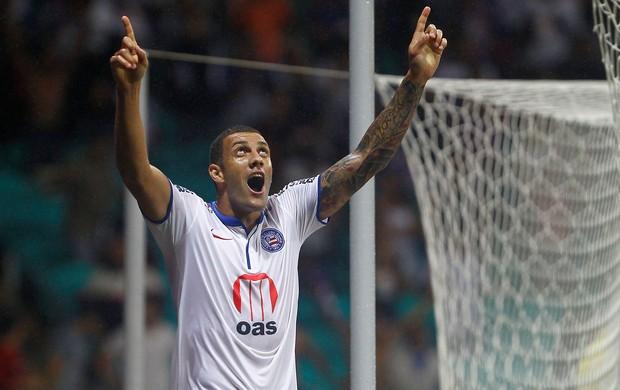 Fernandão gol Bahia x vitória (Foto: Eduardo Martins / Ag. Estado)