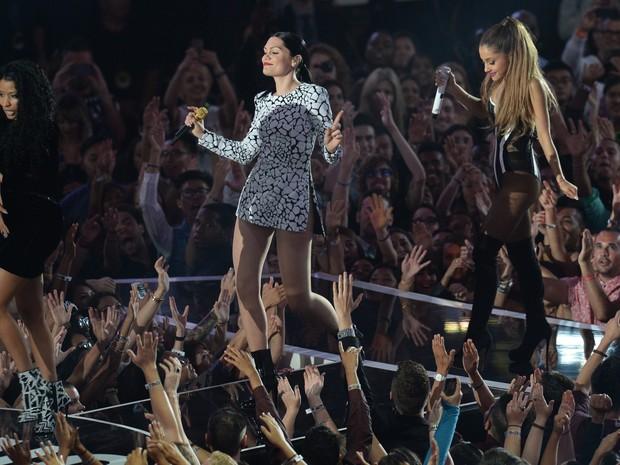 Jessie J, Ariana Grande e Nicki Minaj se apresentam no VMA em Los Angeles, nos Estados Unidos (Foto: Robyn Beck/ AFP)